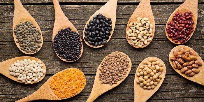 Các loại hạt rất nhiều calo nên nếu ăn tối có thể khiến trẻ bị béo phì.