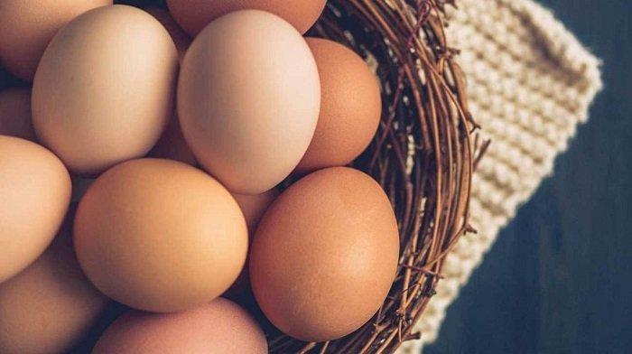 Trứng gà là món ăn quen thuộc của nhiều gia đình nhưng không phải bố mẹ nào cũng biết trẻ mấy tháng tuổi được ăn trứng gà.