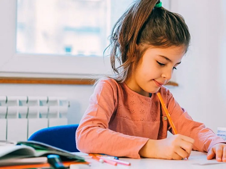 giúp bé tập làm thơ tiếng Anh cho bé