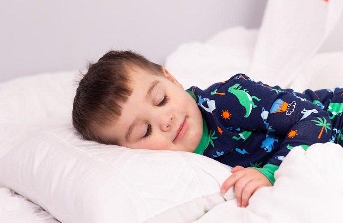 giấc ngủ trưa của trẻ