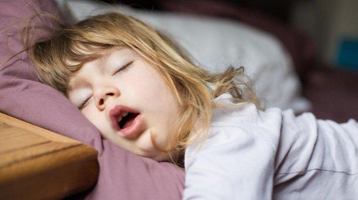 trẻ ngủ trưa