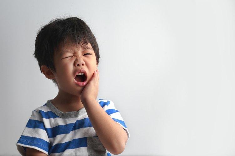 điều trị áp xe răng ở trẻ