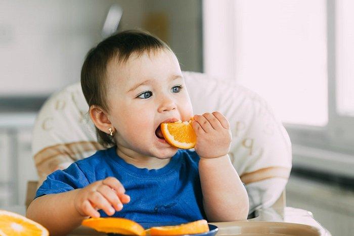 cho bé ăn thô