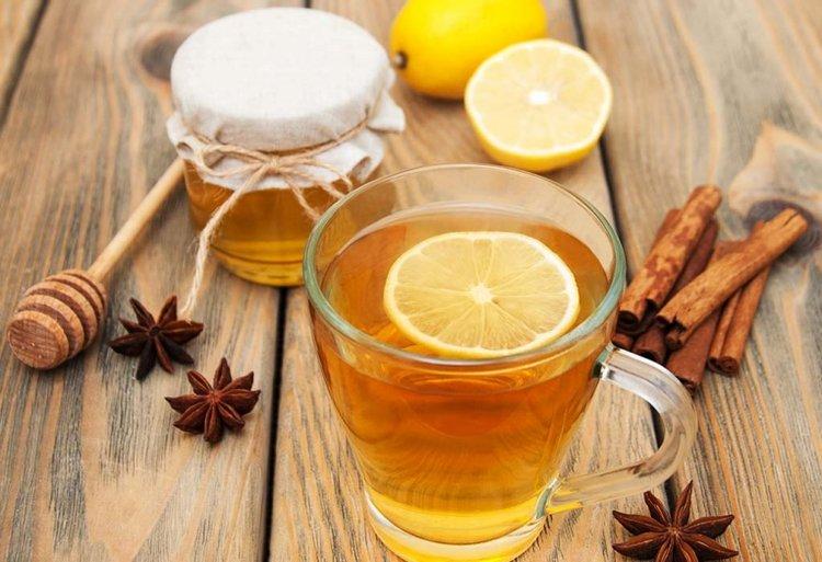 nước chanh mật ong giúp giảm sốt an toàn