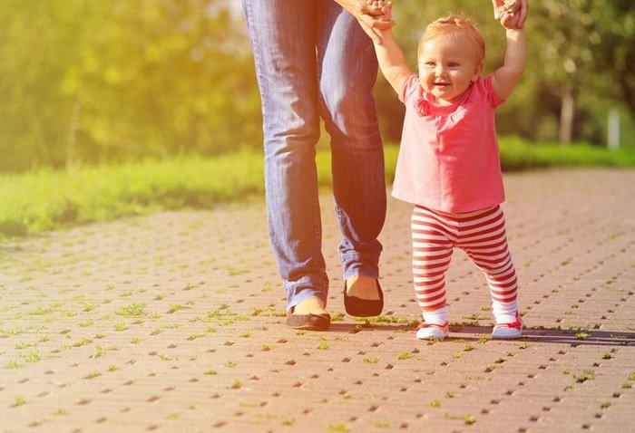 Nhiều bố vẫn không biết trẻ em đi bộ nhiều có tốt không?