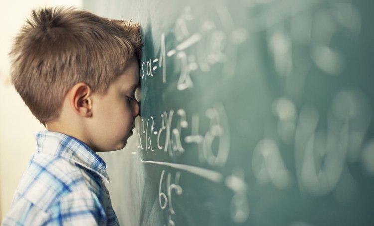 trẻ suy nghĩ tiêu cực