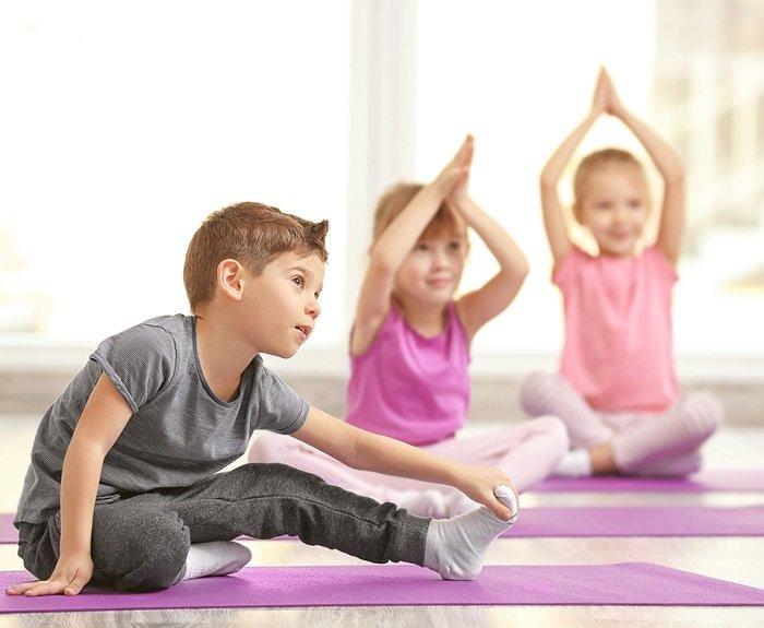 yoga cho trẻ mầm non