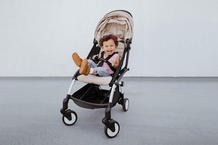 Không phải bố mẹ nào cũng biết cách chọn mua xe đẩy cho em bé.