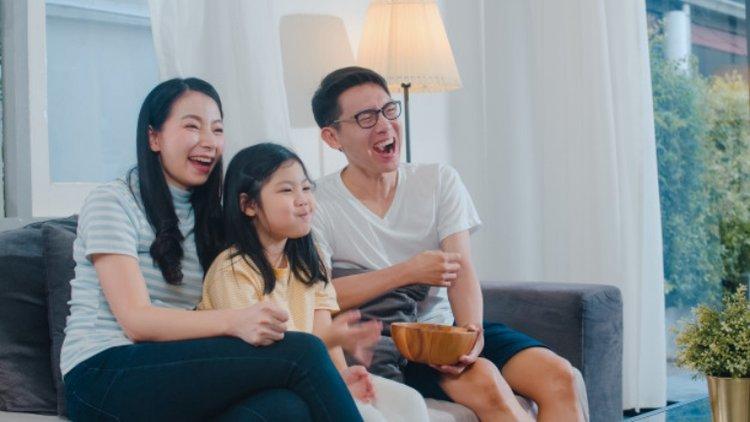 cùng trẻ xem tivi học cách giao tiếp