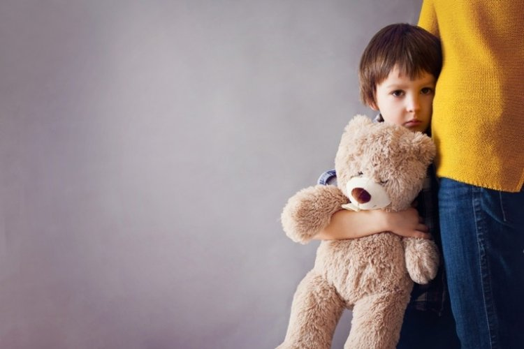trẻ khó kiểm soát cảm xúc