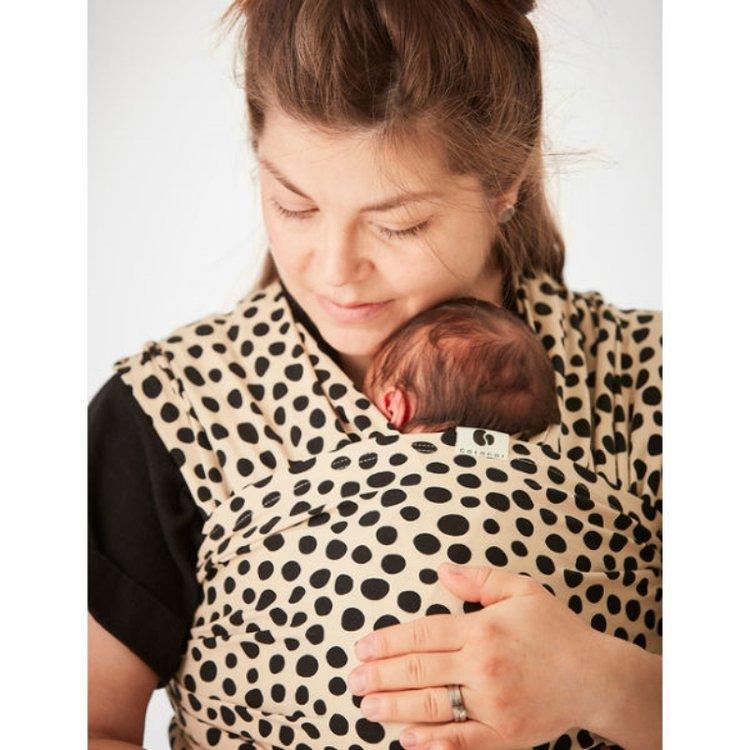 cách dùng địu em bé, mẹ dùng địu vải để địu bé sơ sinh