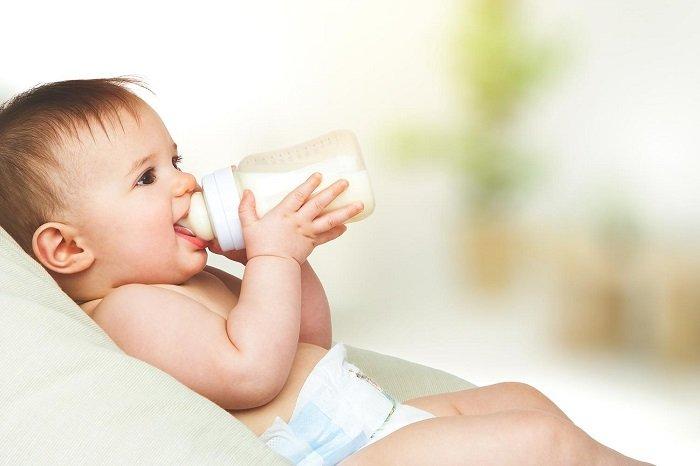 cách vệ sinh bình sữa mới
