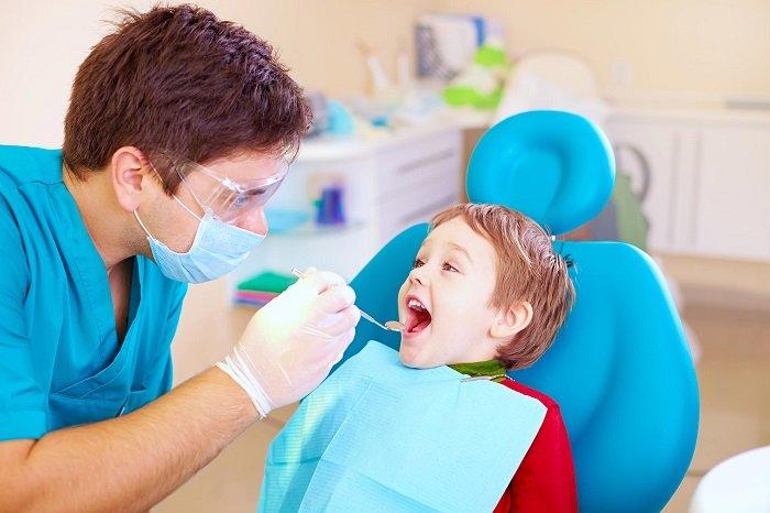 cách khắc phục răng sữa bị mòn