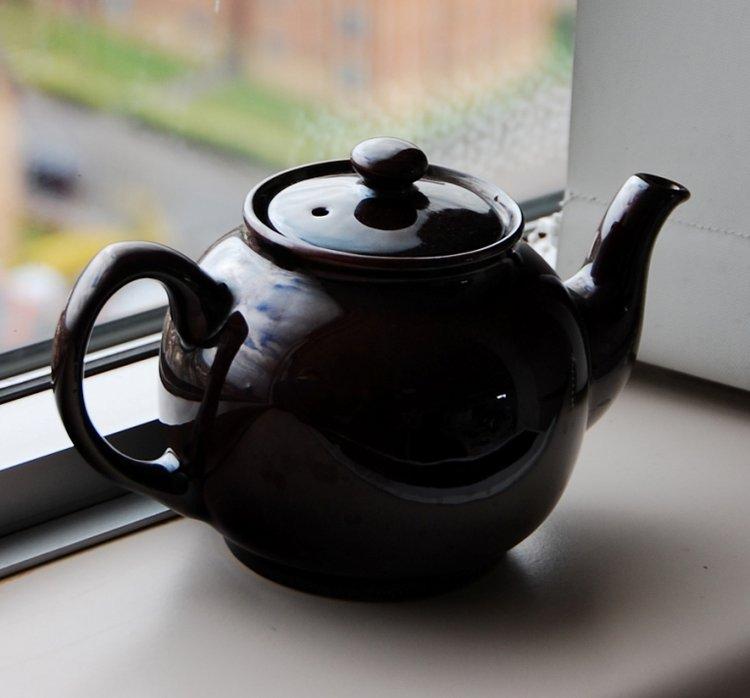 ấm trà gốm