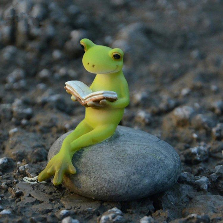 con ếch xanh đọc sách