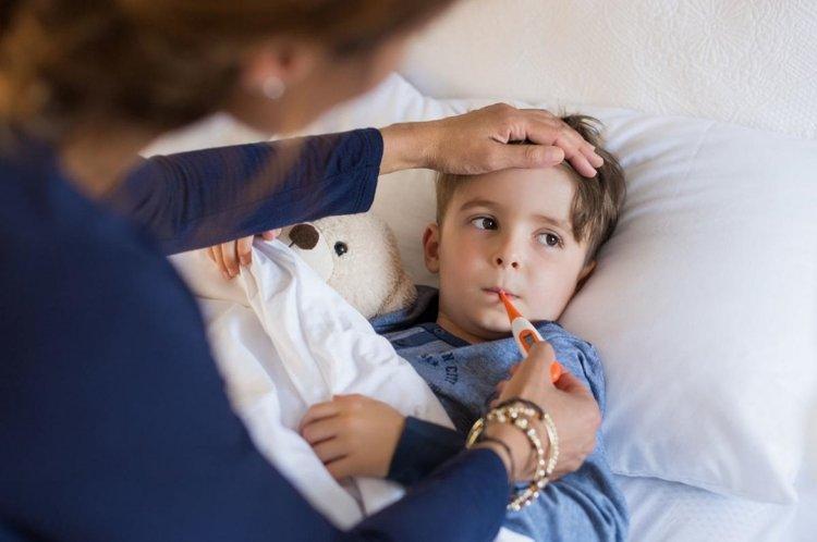 cách chăm sóc trẻ sơ sinh khi giao mùa, chăm sóc trẻ khi thời tiết giao mùa