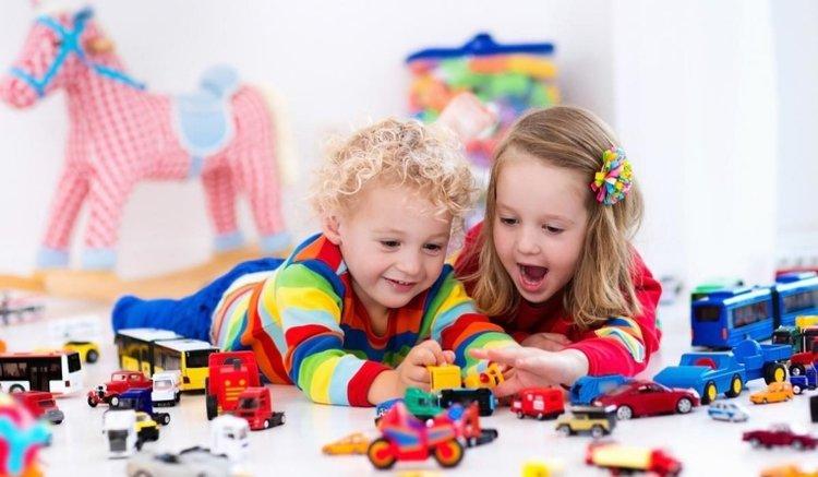vui chơi kích thích trí tưởng tượng của trẻ
