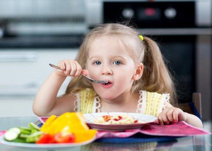 bữa ăn sáng cho trẻ em