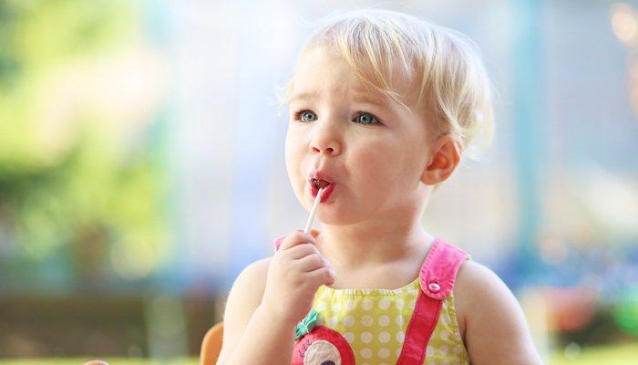 có nên cho trẻ ăn đồ ngọt