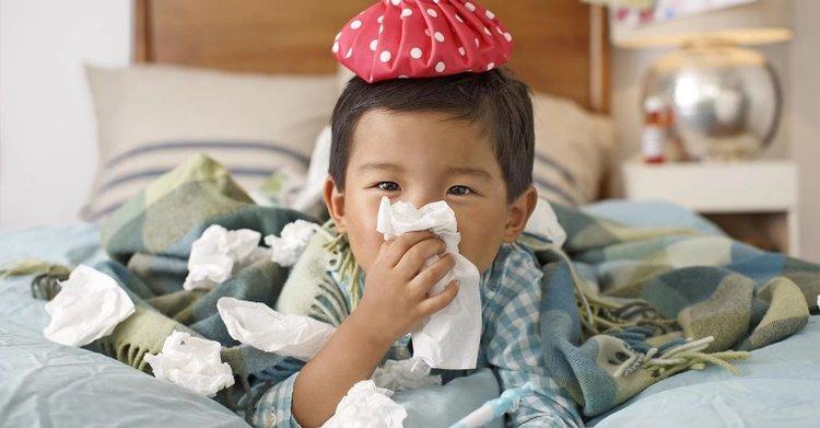 trẻ em bị viêm mũi dị ứng, trẻ bị nghẹt mũi khó thở
