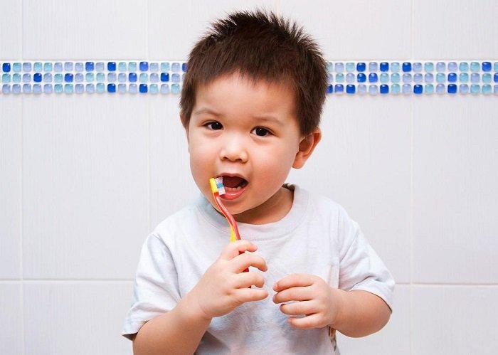 dạy trẻ thói quen đánh răng