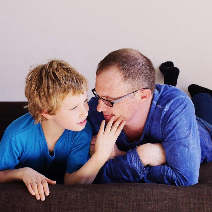 Thực hiện đều đặn các bài tập cho trẻ tự kỷ này sẽ cải thiện sức khỏe của trẻ.