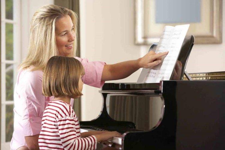 bé mấy tuổi có thể học piano