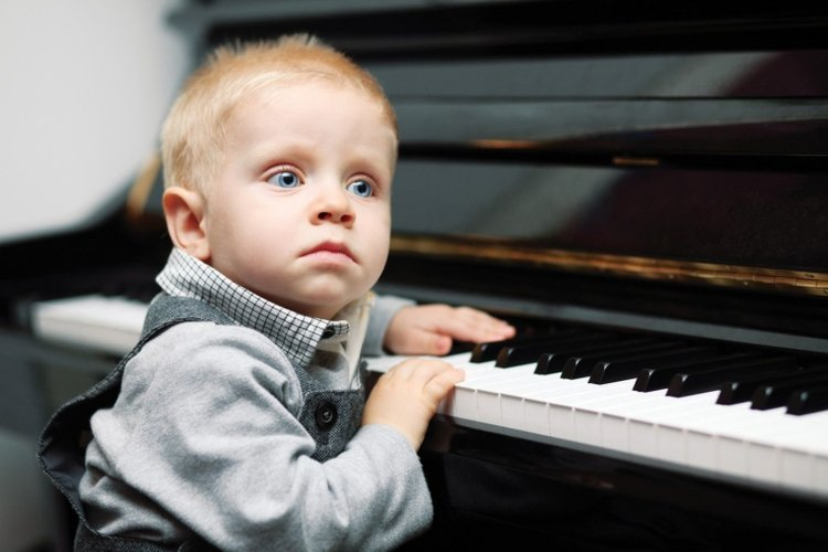 nên cho trẻ học piano từ mấy tuổi
